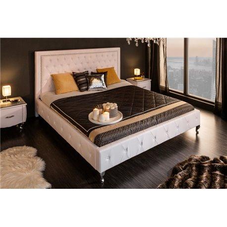Extravagantná posteľ 180 x 200 cm biela